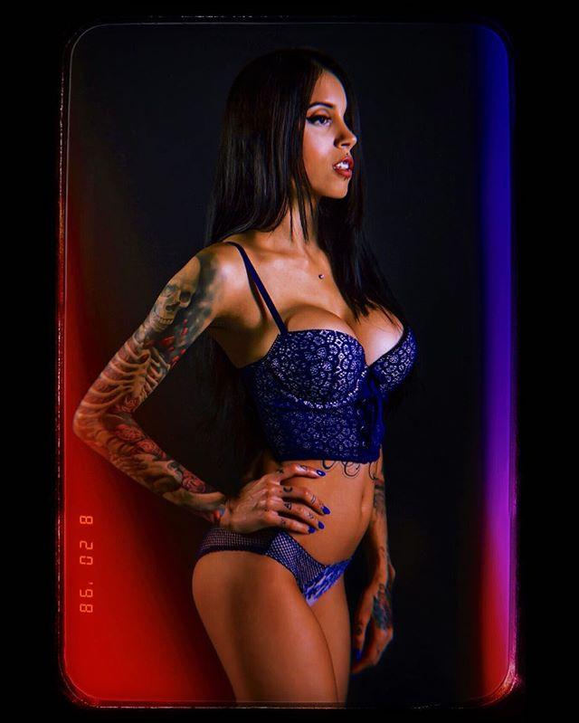 @shapeshiftqueen . . . #miami #miamiphoto #miamiphotograph #miamiphotography #miamiphotographer #miamiphotooftheday #miaexplore #exploremia #exploremiami #babe #babes #tattoo #tattoos #tattooed #tattooedbabes #tattooedgirls #suicidegirls #sg #filmlight #filmburn #lingeriephotoshoot
