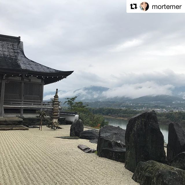 Beautiful views of Mima!  #Repost @mortemer ・・・ Honraku temple in Mima, Japan 🇯🇵🖤