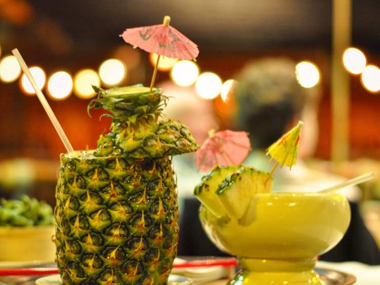 FESTIVE TIKI DRINKS AT THE TONGA ROOM