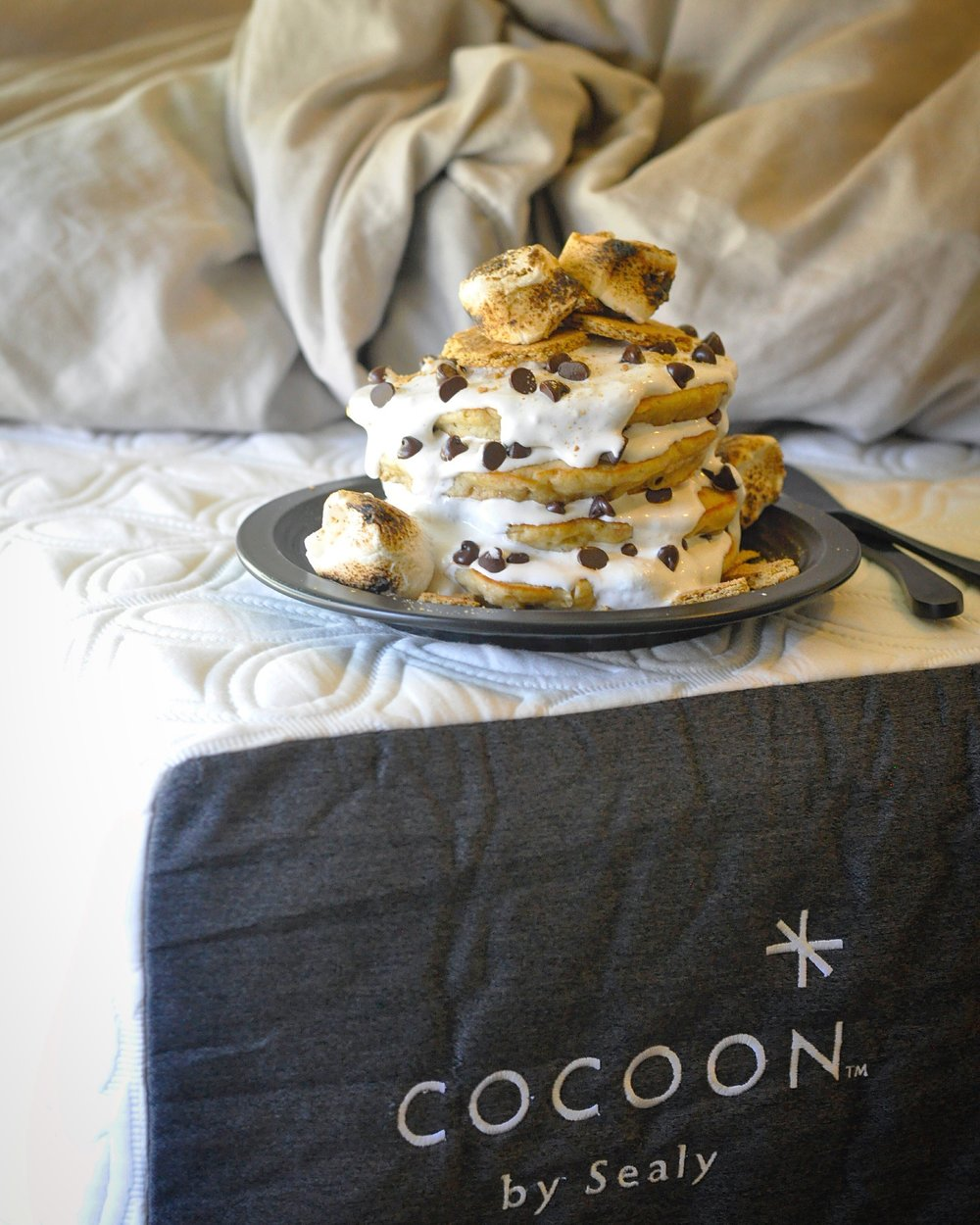 S'mores Pancakes - Breakfast in bed - Cocoon by Sealy