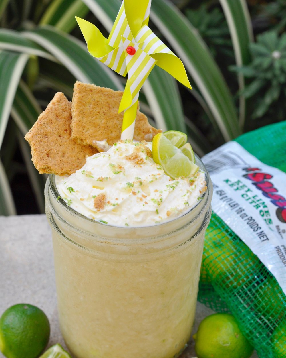 Key Lime Pie Smoothie Recipe | coupleinthekitchen.com
