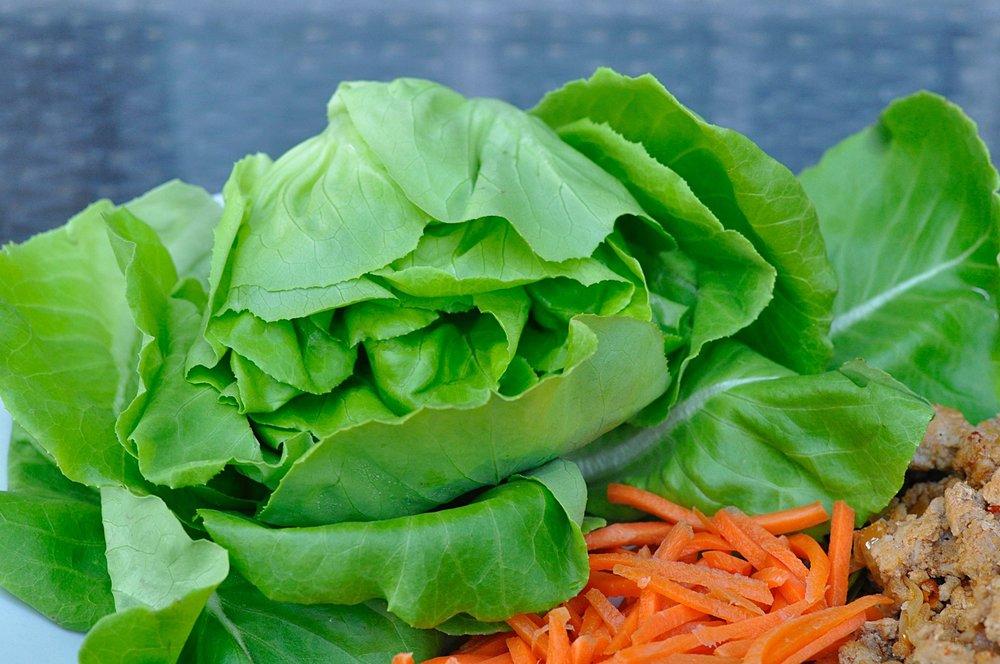 Healthy Turkey Lettuce Wrap Recipe | coupleinthekitchen.com