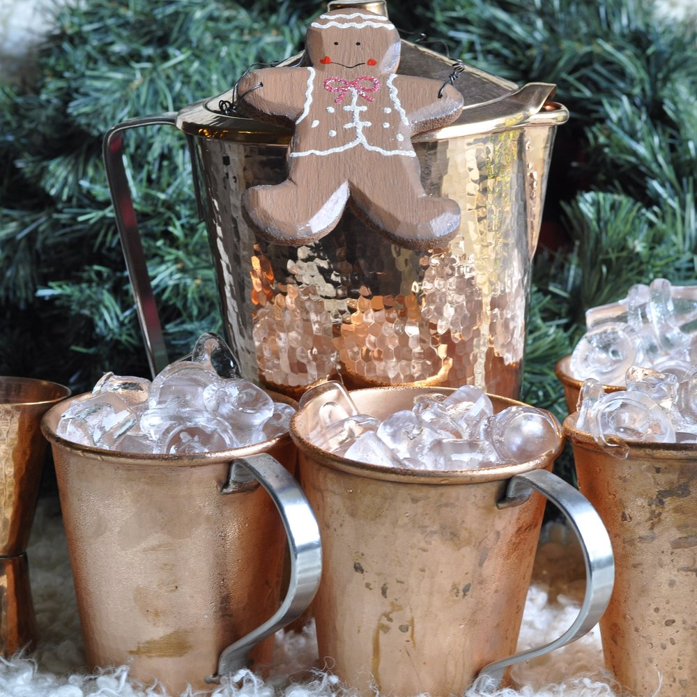 Foodie Gift Guide | Sertodo Copper Mule Mugs | coupleinthekitchen.com