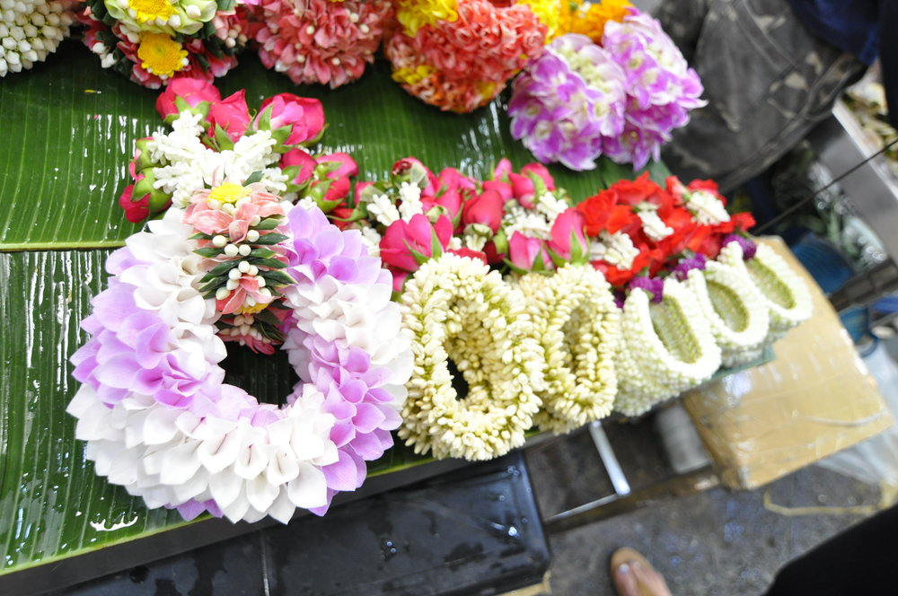 Bangkok Flower Market | coupleinthekitchen.com