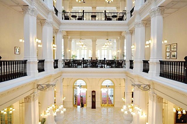 Raffles Hotel Singapore | coupleinthekitchen.com
