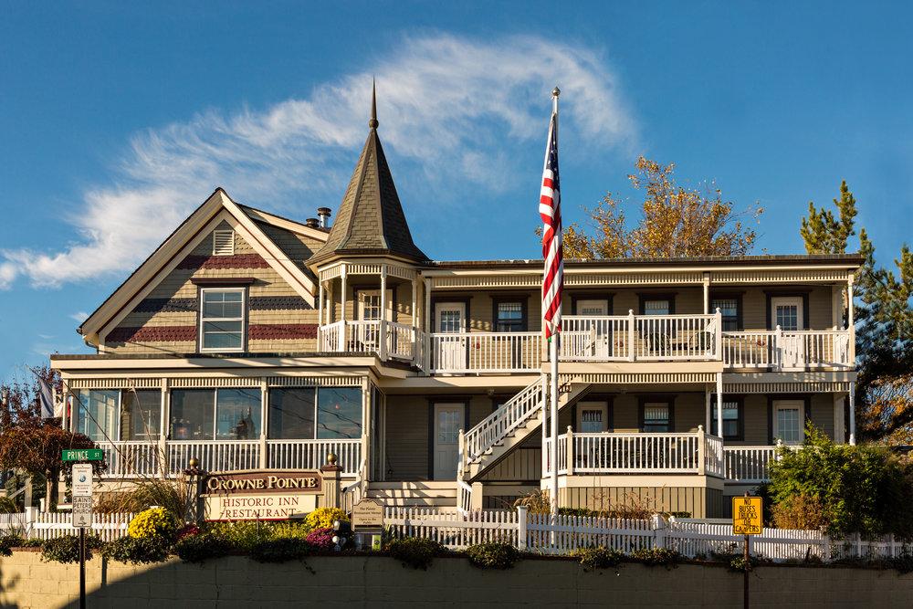Photo: Crowne Pointe Inn