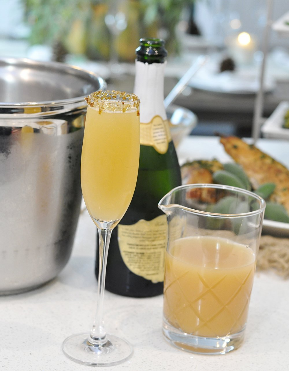 Apple Cider Mimosa Recipe | Fall Entertaining | coupleinthekitchen.com