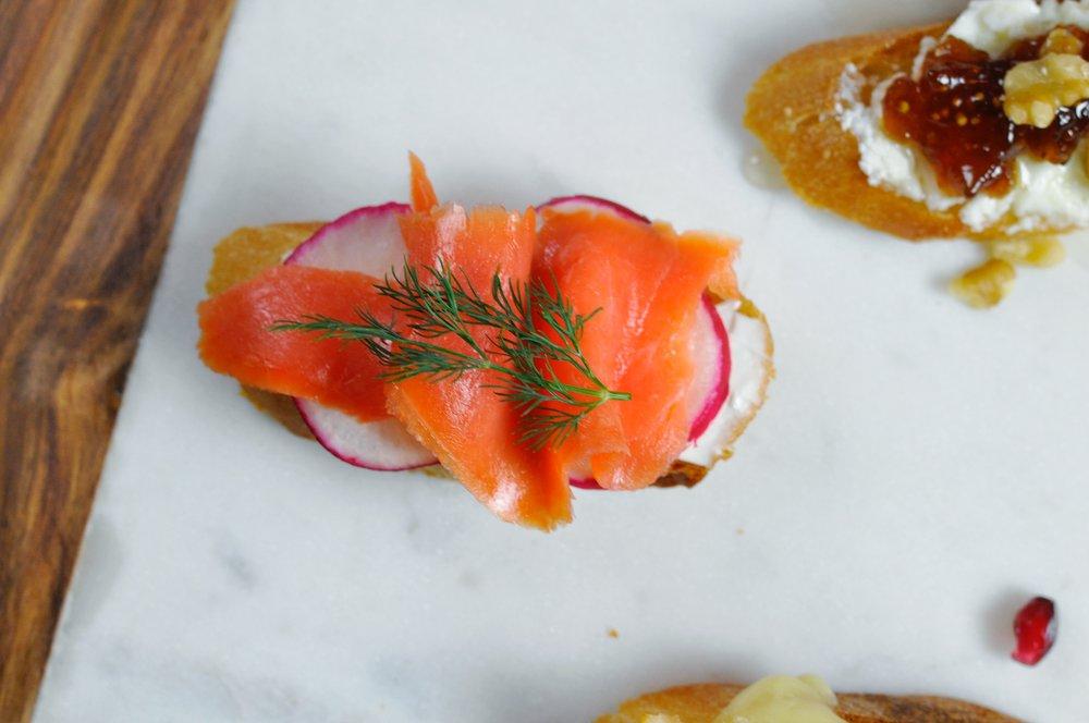 Crostini Appetizer: 5 Delicious Crostini Recipes | Smoked Salmon Crostini | coupleinthekitchen.com