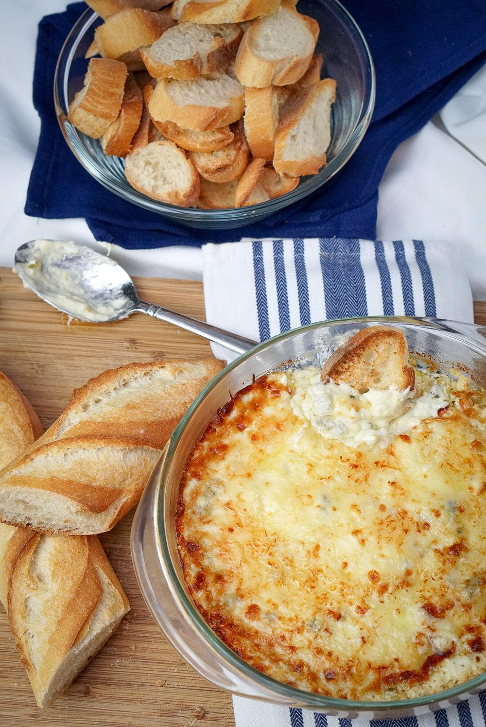 The Best Jalapeno Popper Dip Recipe | coupleinthekitchen.com