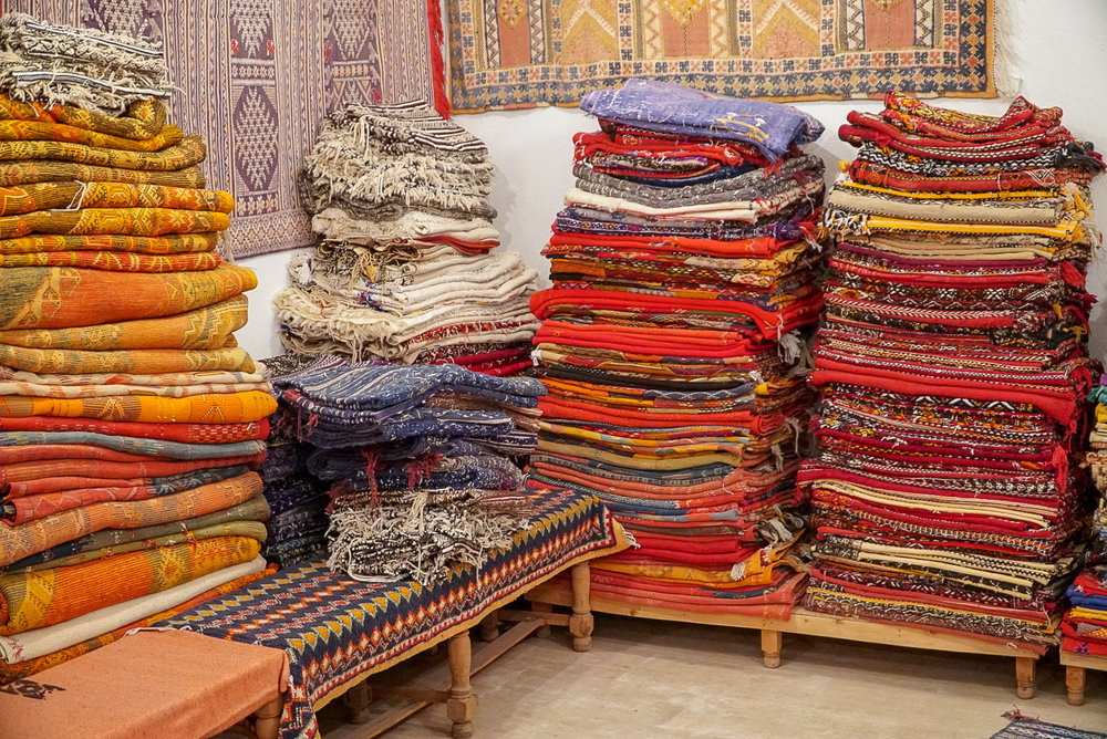 Morocco Shopping, How to Avoid Overpaying on Moroccan Souvenirs | coupleinthekitchen.com