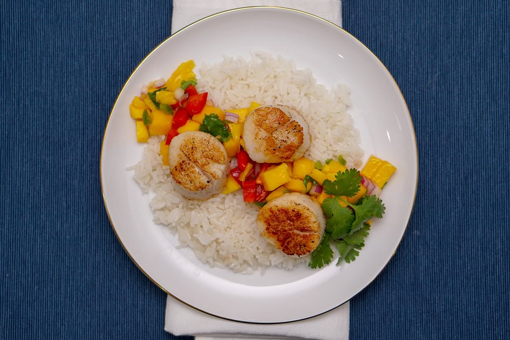 Sous Vide Scallops with Mango Salsa and Coconut Rice | coupleinthekitchen.com