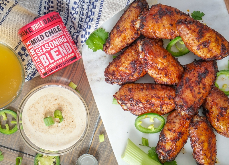 Low Calorie Dry Rubbed Smoked Chicken Wings| coupleinthekitchen.com