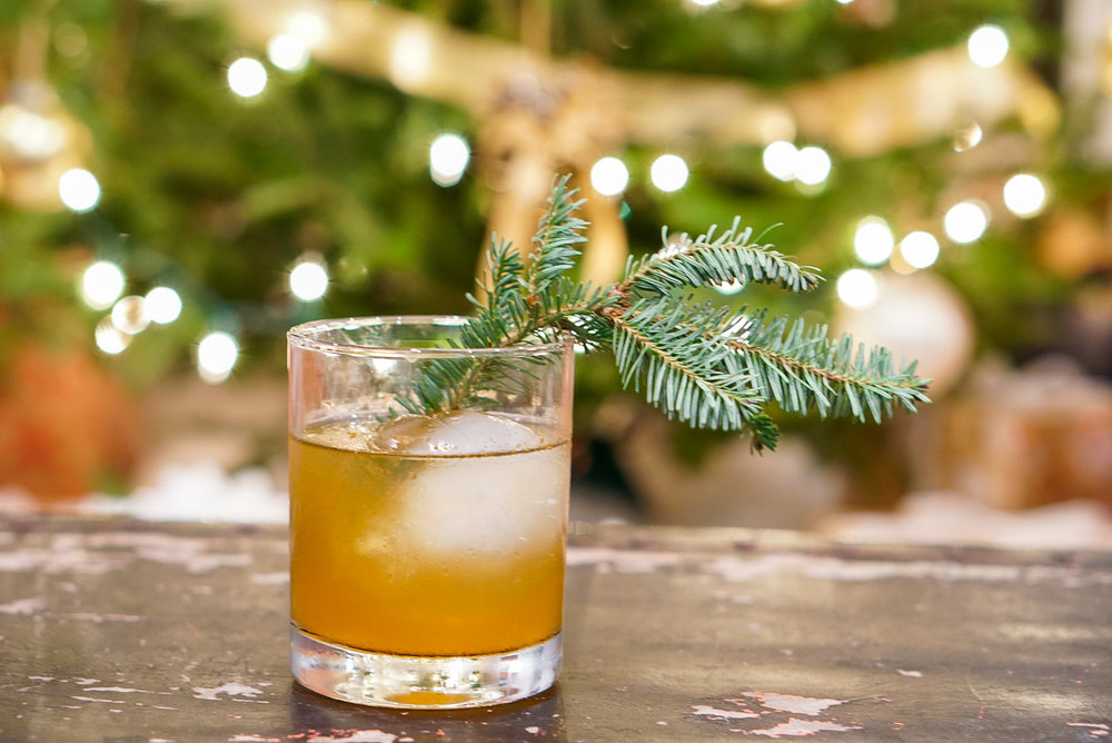 Christmas Pine Old Fashioned Cocktail Recipe | coupleinthekitchen.com