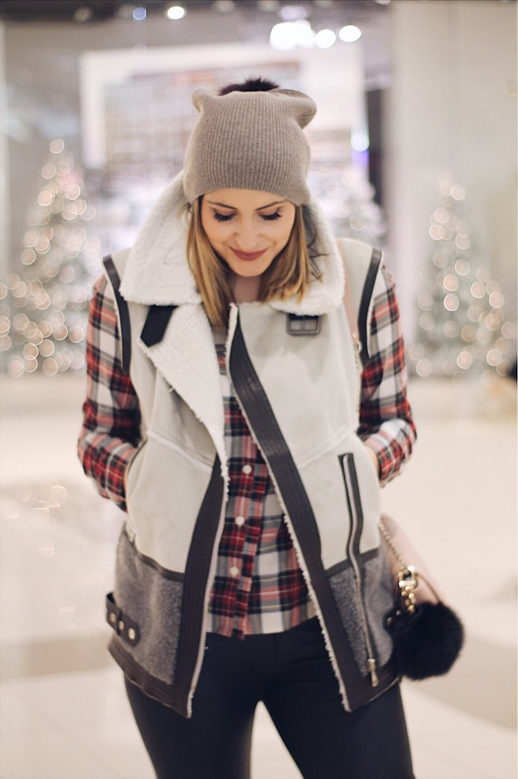BLACK FRIDAY SHOPPING GUIDE - See how I navigate the Fashion Outlets of Niagara and my secret tips for a fool proof shopping trip!READ MORE →