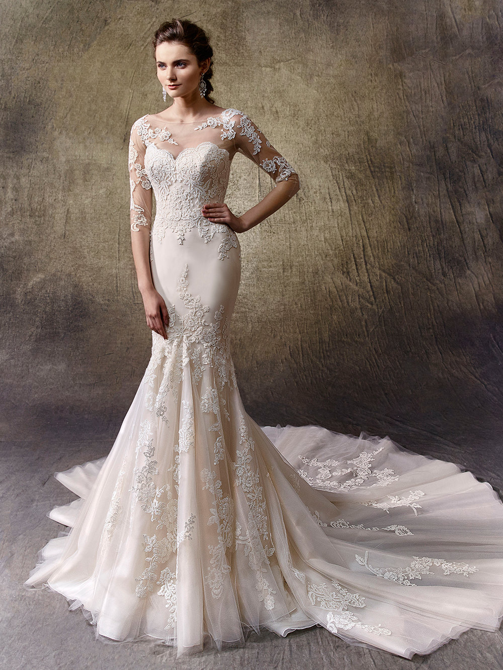 The Lindy gown from Enzoani is available at Bridal Extraordinaire in Kansas City.