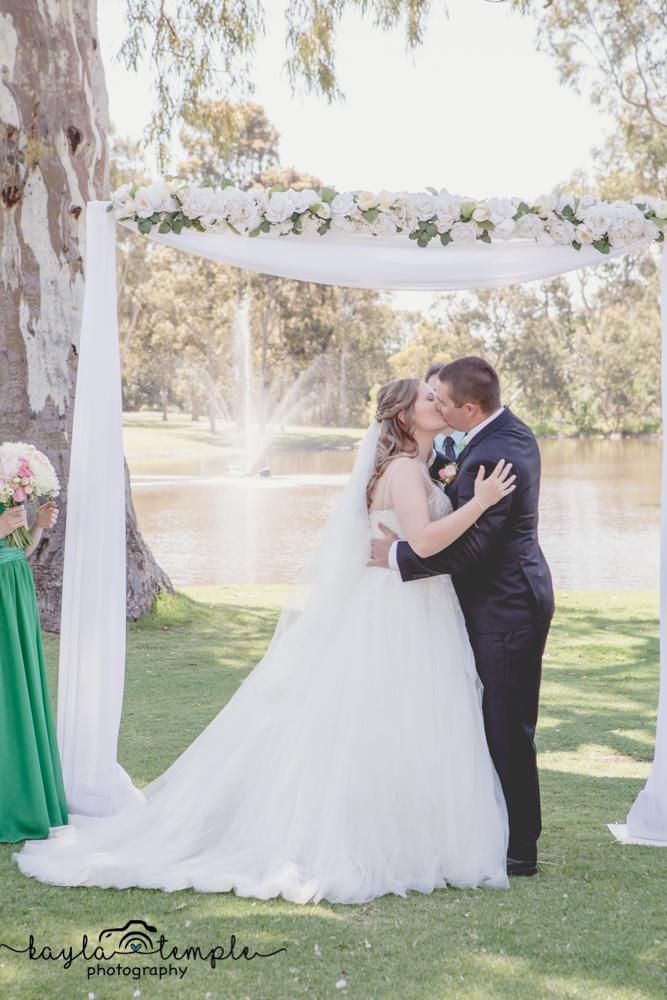 Adelaide_Wedding_Photographer-72.jpg