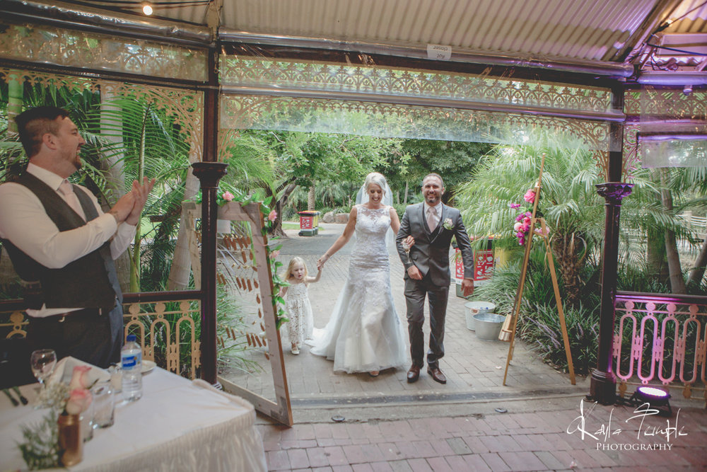 Adelaide_Wedding_Photographer-265.jpg