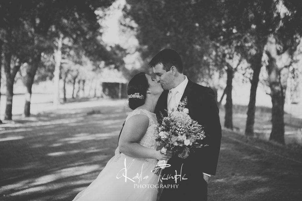 ADELAIDE_Wedding_Photographer-96.jpg
