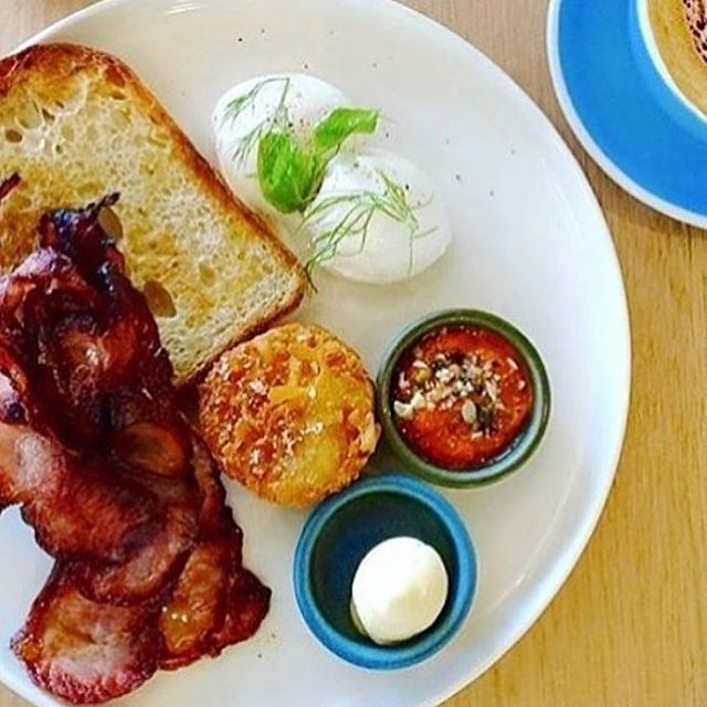 Welcome to the weekend folks... Ah the simple things in life are sometimes the best. Like crispy bacon, poached eggs, hash brown and toast for breakfast. Serving you now alongside your morning brew. #waterloocafe #breakfast #alldaybreakfast #breakfastime #cafe #breakfastwithfriends #breakfast #sydneycafe #sydneyfood #sydneyeats #sydneycoffee #sydneylife #brunch #baconandeggs