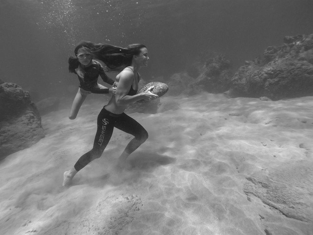 Moller_by_Fe_Garcia_underwater_training_2_x.jpg