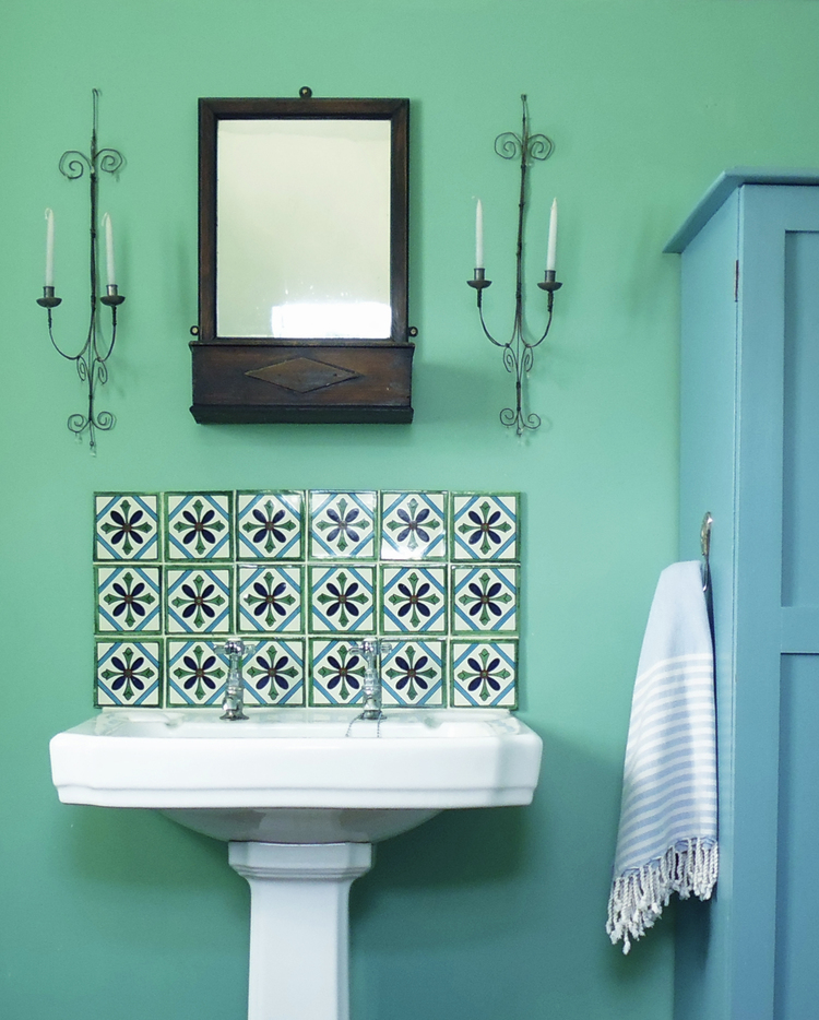 We often get asked for something a little bit different when decorating the  smallest room of a house or hotel. Bathrooms can be a great space in which  to ...