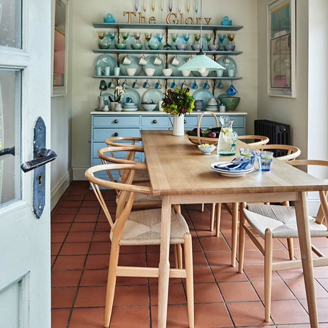 Kitchen/diner in country cottage, North Yorkshire, England. #interior #interiors #interiordecor #interiordesign #interiordesign #kitchen #shakerstyle