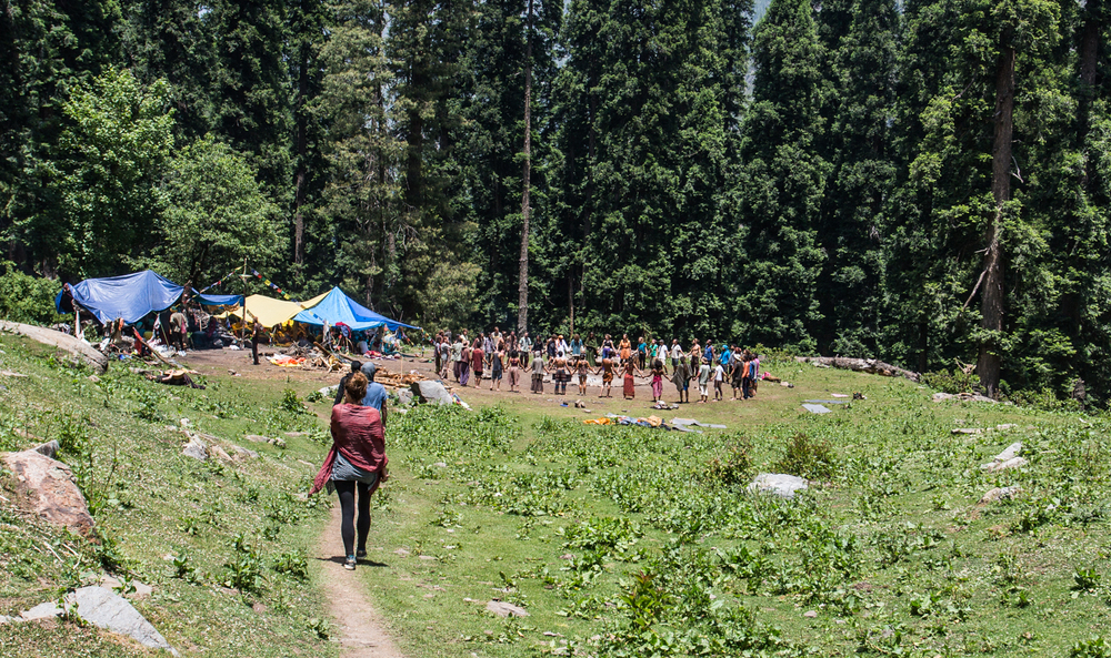 Rainbow Gatherers singing and dancing in the nature near Kheerganga.