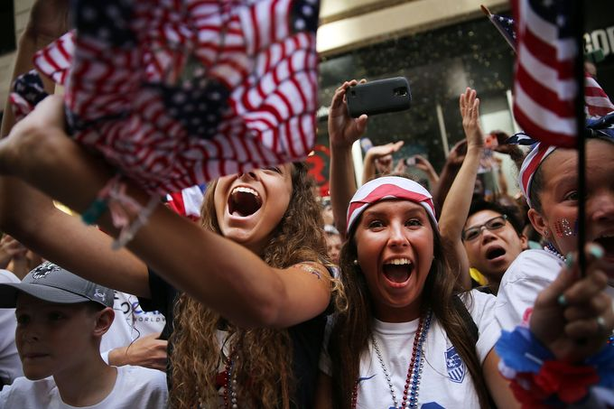 NYC Parade for World Cup Champs Lures Wall Street Neighborhood