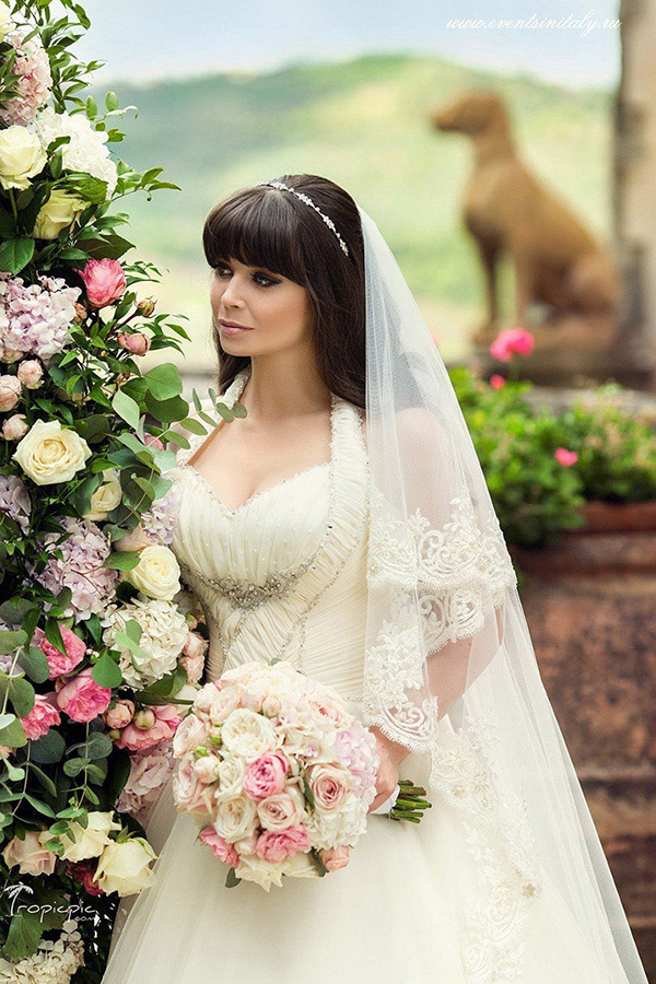 6-Wedding-Bridal-hairstyles-tips-Annartstyle-Make-up-Artist-and-Hairdresser-Rome-Italy.jpg