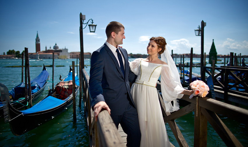 2-russian-destination-wedding-venice-annartstyle-news.jpg