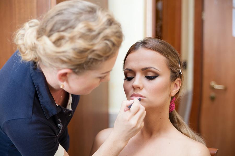 1-trucco-sposa-con-lezione-di-self-make-up-in-omaggio-annartstyle-news.jpg