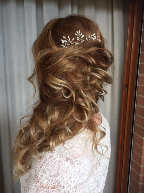 50-bridal-hair-trends-summer-2018-annartstyle-news.JPG