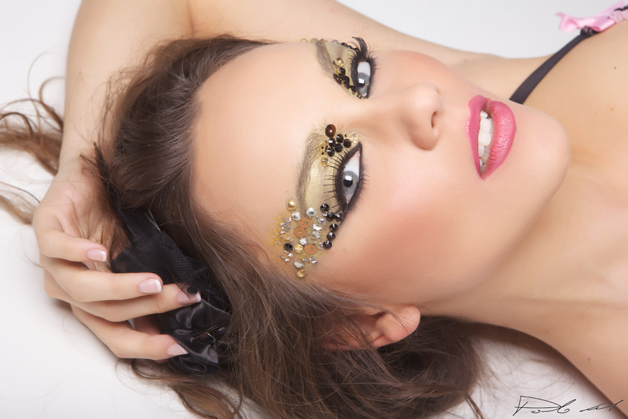 1-Portfolio-Annartstyle-Professional-MUAH-Fashion-Photo-Shoot-Make-Up-Artist-Italy-Rome.jpg