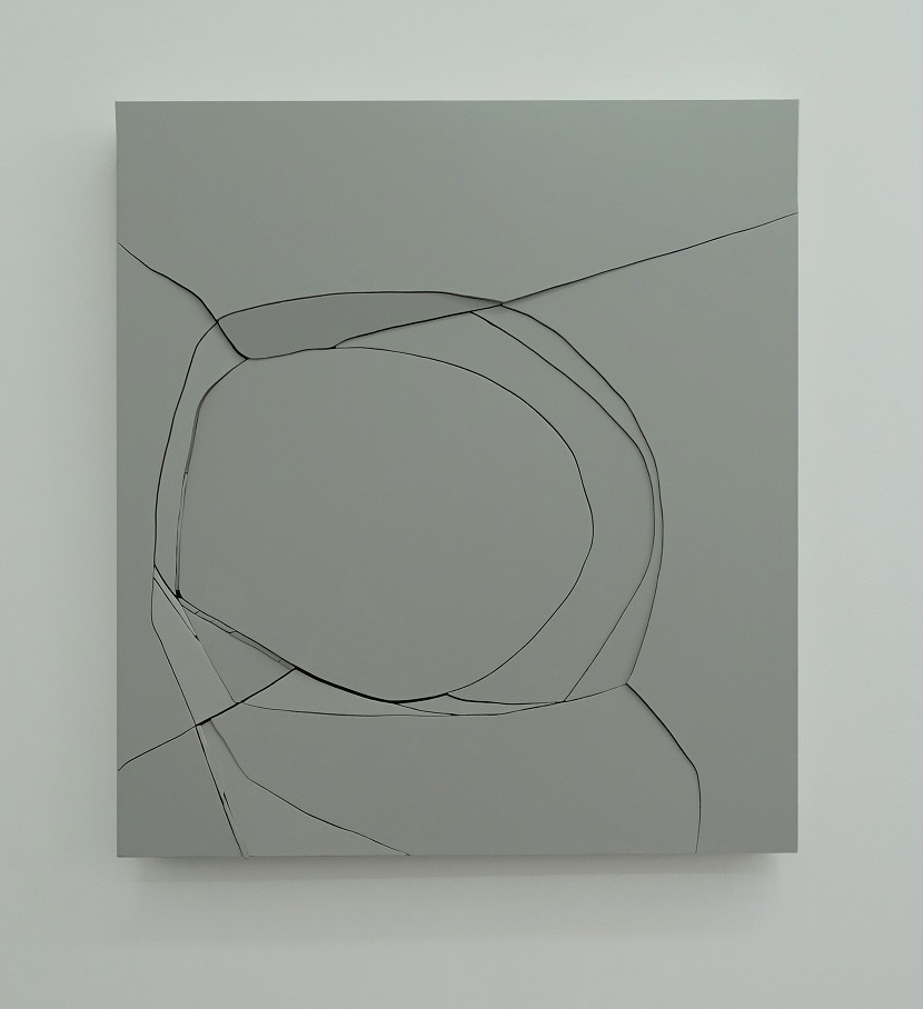 grey box, bois peint, 100 x 100 cm, 2016