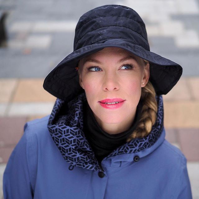 More hats; the Style 250 with the Style 134 jacket in blue. Breathable, waterproof, and above all wearable. It also comes in white and brown.