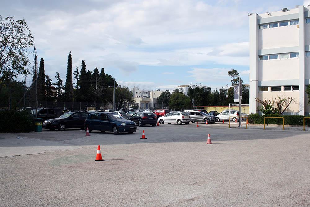 es-parking1.jpg