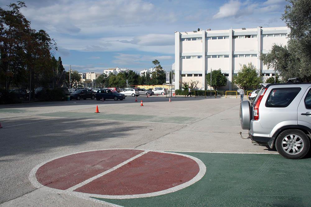 es-parkinglot2.jpg