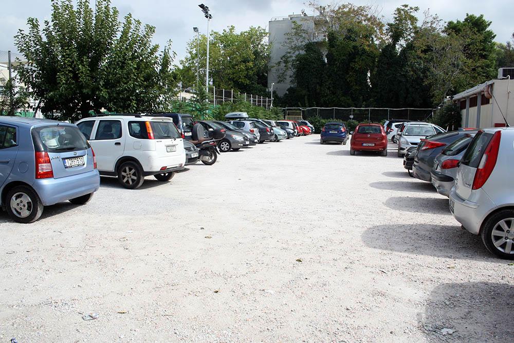 parkinglot1.jpg