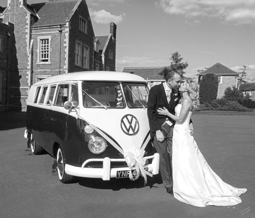 Couple+in+front+of+campervan.jpg