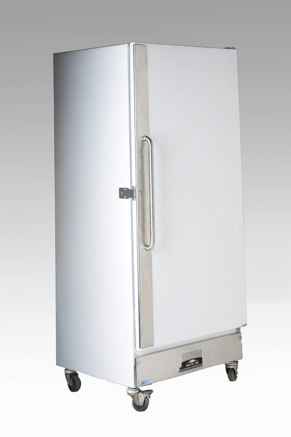 White Upright Refrigerator   22 cubic Feet  6 amps   $220.00