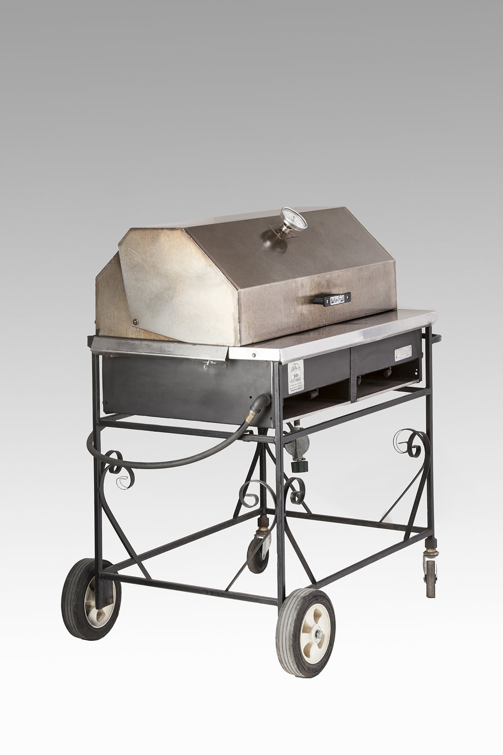 2'x3' Lava Rock Propane Grill with Cover $100.00