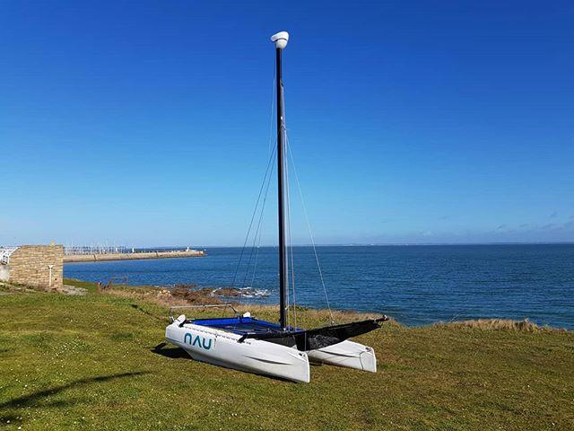 Le NAU 13 pieds, sous le soleil de la baie de Quiberon !  N'hésitez pas à venir en M.P. si vous voulez en parler !  #NAU #Bretagne #PassezALOuest #finisteretourisme #bretagnetourisme #catamaran #sail #sails #bateau #voile #voilemagazine #voileetvoilier #innovation #startup #bateau #mer #sea #boat #bretagne #bzh #breizh #morbihan