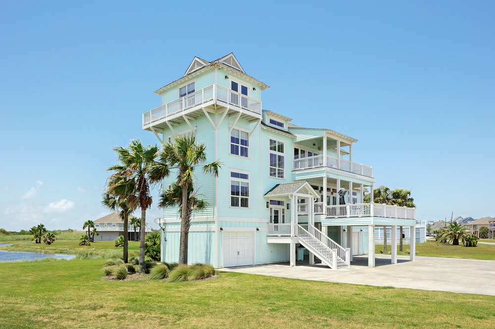 Exterior Elevation of a Port Bolivar Beach home photographed by JDrago Photography with the Canon 24mm f/3.5L II TS-E Tilt-Shift lens.