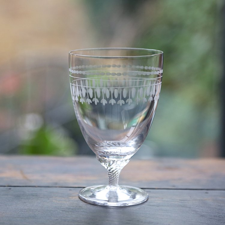 OVALS: Set of 6  Bistro Wine Glasses