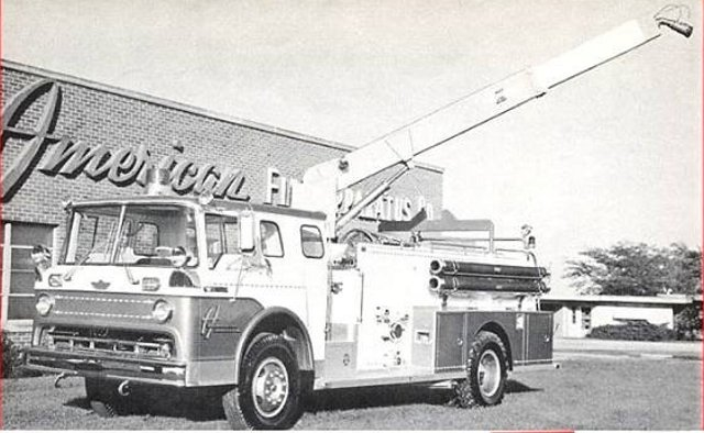 This is the builder's photo of the vehicle, as it came out of the Marshalltown plant. This is how the vehicle looked when the apparatus committee saw it at the IAFC Convention in Chicago.