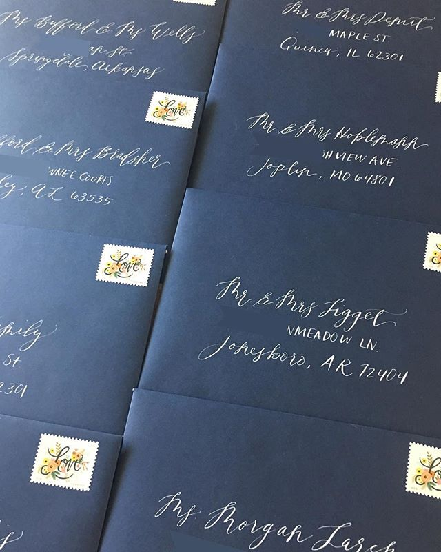 Addressing envelopes has to be one of my favorite jobs 💌 #rlcalligraphy #rebecalynnart