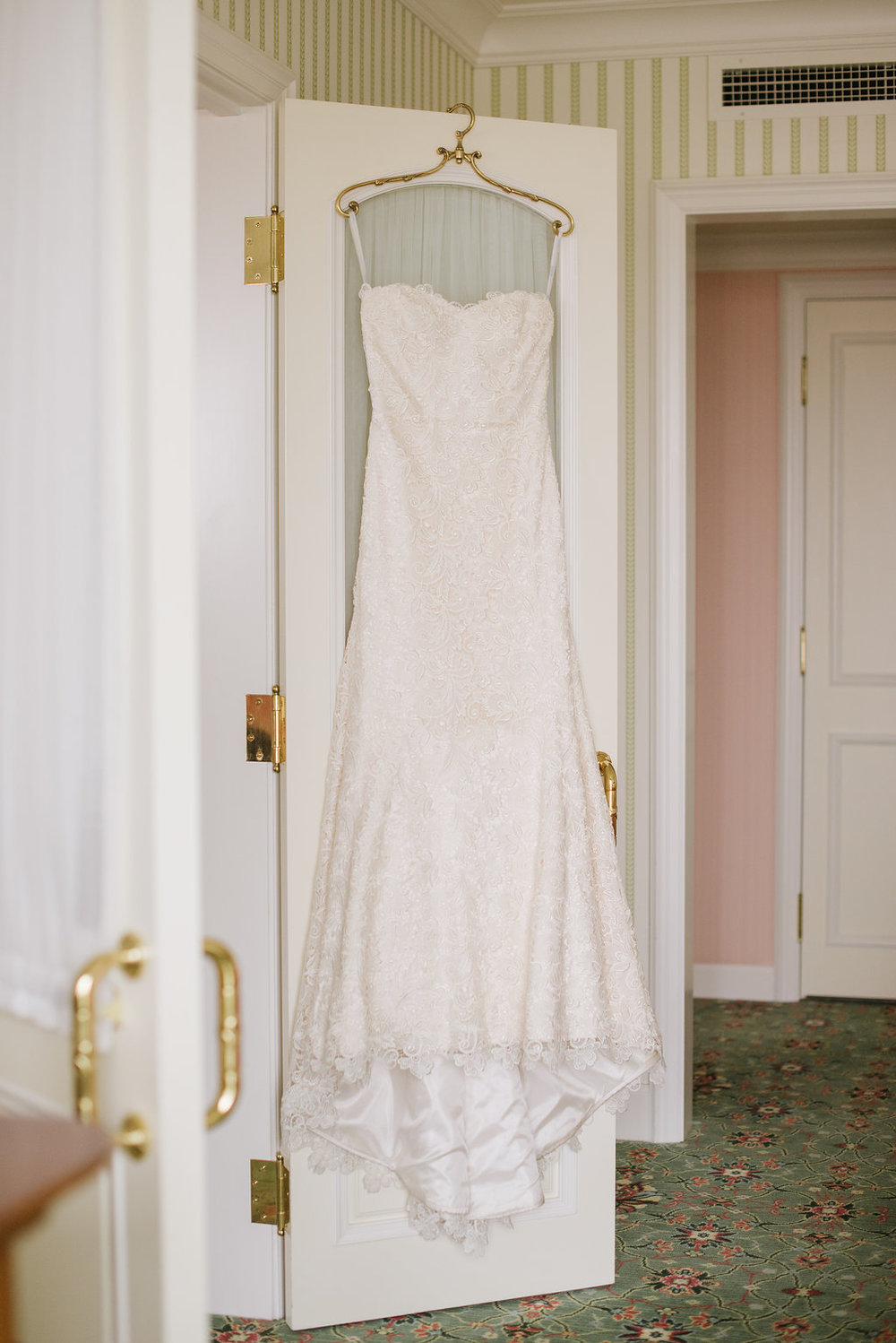 Blush Beauty Wedding at Grand America Photographed by Heather Nan Photography | Michelle Leo Events | Utah Wedding Design and Coordination