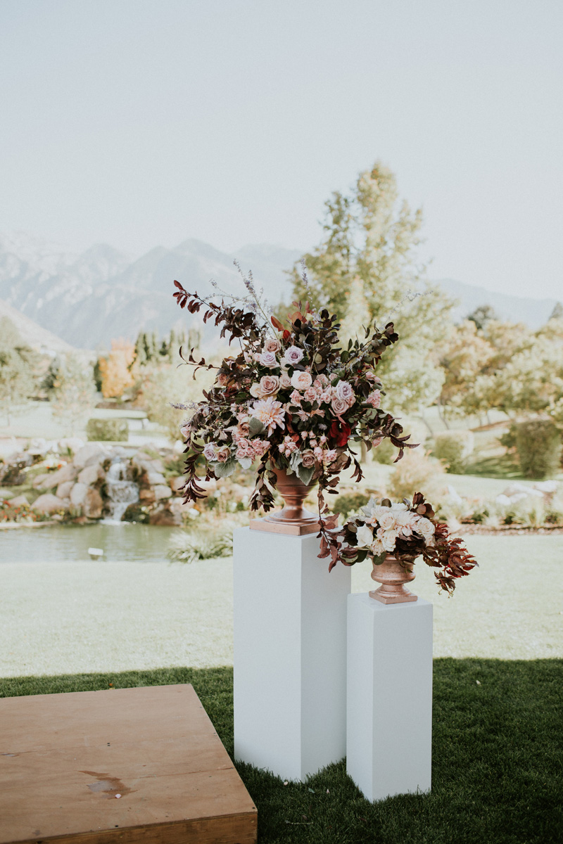 michelleleoevents.com | Utah Wedding Planner | Willow Creek Country Club Weddings | Michelle Leo Events | Jessica Jane Photography _ (21).jpg