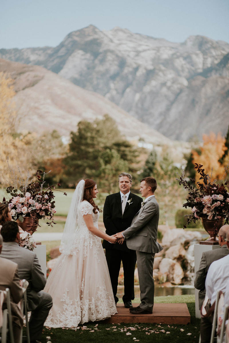 michelleleoevents.com | Utah Wedding Planner | Willow Creek Country Club Weddings | Michelle Leo Events | Jessica Jane Photography _ (33).jpg