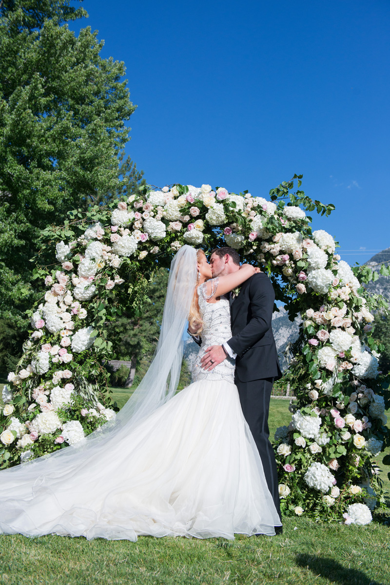 michelleleoevents.com | Utah Wedding Planner | La Caille Weddings | Michelle Leo Events | McKenzie Deakins Photography _.jpg